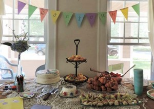 bonjour food table